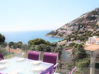 Villa con vistas increibles al mar a pasos de la playa L1114