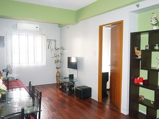 Simple & relaxing condo unit beside Airport & Marriott Hotel