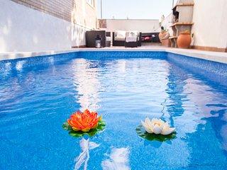 Villa Carmen a 5 min de Sitges, Private Heated Pool.
