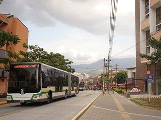apartaloft Belen cerca centro Comercial Molinos y al frente estacion metro plus