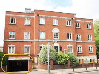 Castle Loft, 2 Bed Apartment, Reading Central 5min