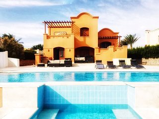 El Gouna West Golf Villa with Heated Pool & Lagoon