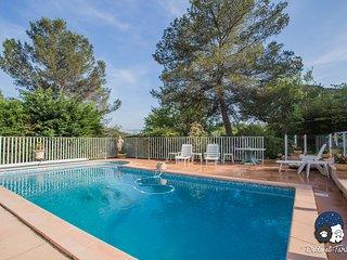 Quiet Studio with garden and pool
