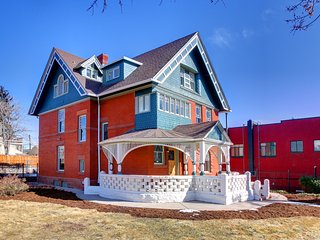 Remodeled Historic Mansion In The Heart of Denver! Sleeps 20+