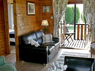 Puddock Farm Pine Lodge - Swallowtail