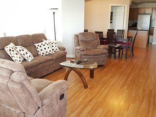 Executive Rentals 2 BR + Den in Mississauga  - 1907O1