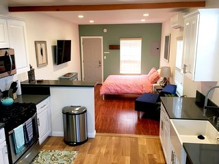 Upscale Newly Remodeled & Furnished Luxury Studio