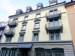EMA House Sup. Standard Unterstrass