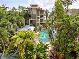 Tranquil Palms * Trinity Beach