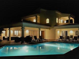 Villa Amarela - Bezauberndes und exklusives Feriendomizil mit Pool in Alvor