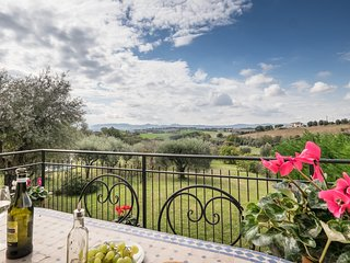 Beautiful family home Lake Trasimeno / Tuscany border