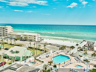 Surfside 707 ~ Newly Remodeled ~ Heart of the Emerald Coast ~ Fall Specials!