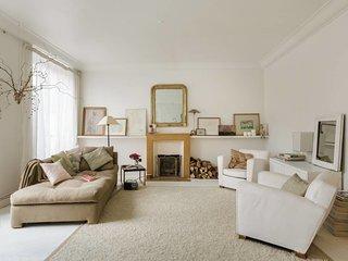 * Luxurious 4 rooms -75sq2 Marais *