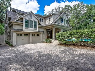 15 Green Heron - Spectacular! Large Private pool and steps to the beach.
