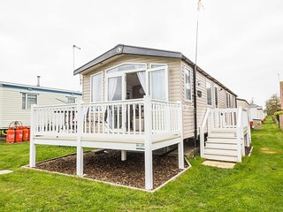 8 Berth Caravan in Caister Haven Holiday Park Ref: 30167