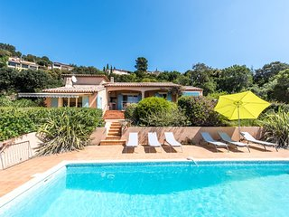33878 villa, 3 bedrooms, stunning sea view, pool 10 x 4.5 mtr, airconditioning
