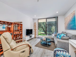 Relaxing, renovated 2 bedroom unit in Dee Why