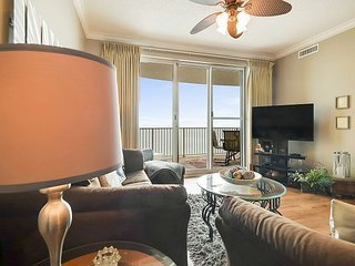 Enjoy comfortable and SANITARY condo ~ stunning views from the 16th floor!