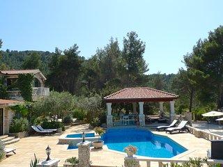 Stone house-Villa Poplat / little paradise