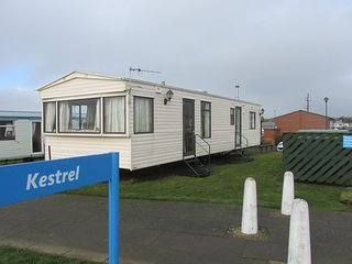 STATIC PARKHOME , CAYTON BAY ,SITUATED BETWEEN SCARBOROUGH & FILEY, NORTH YORKS.