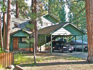 Heavenly! Old Tahoe Style Home-Close to everything