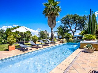 Catalunya Casas: Villa Tordera just outside Barcelona, only 15km to the beach!