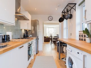 An exceptional 4 bed house in London SE6