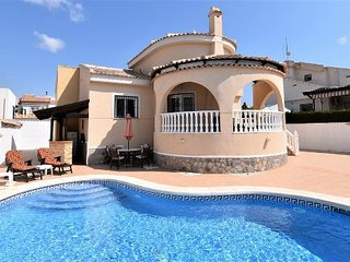 Casa Sonrisas! Fantastic detached villa with private pool!