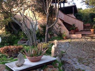 Villa con giardino al Villaggio Piras