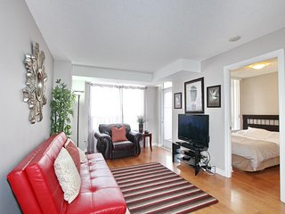 Trendy 3 Bedroom Furnished Home in Port Credit