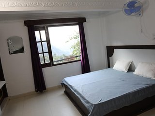 Rocks n River Homestay (Deluxe Suite 9)