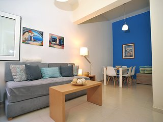 2 bedrooms, 2 bathrooms apt, near the city center, charming and homey atmosphere
