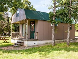 Evergreen Marina Lake Eufaula Oklahoma (Small Cabin)