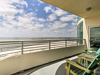 Beachfront Biloxi Condo w/ Balcony & Gulf Views!