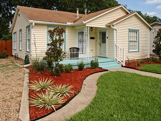 'Lynn's Doll House' McKinney Home w/Spacious Yard!