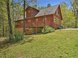 NEW! Cozy Mount Ida Cabin Mins from Lake Ouachita