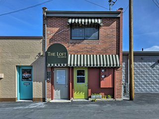 Located in the heart of downtown 'The Loft on Center' has a top-notch location.