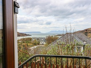 1 SANDHOLM, superb elevated views, Mallaig 2.5 miles, West Highland line nearby,