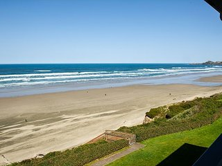 Enjoy this oceanfront top floor condo in the heart of Newport's Nye District!