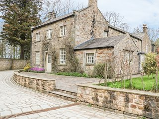 BALLOO, converted coach house, near Forest of Bowland AONB, Lancaster 7.5