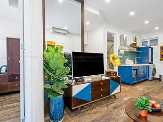 Mid Century, City view 2 bed room apartment