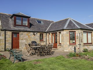 5 WILLIAMSTON STEADING, WiFi, en-suite, Hopeman 1 mile, Ref 934306