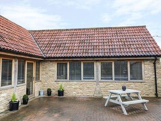 RUSTY LANE COTTAGE, open-plan living, barn conversion, exposed beams, Ref 969192