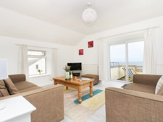 THE COACH HOUSE spacious, en-suite, views, close to beach, WiFi, Sennen Cove Ref