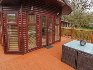 10 THIRLMERE, decking, charming interior, peaceful location, in Troutbeck Bridge