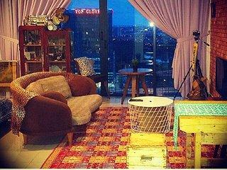 ALAMi Vintage Studio, Trefoil