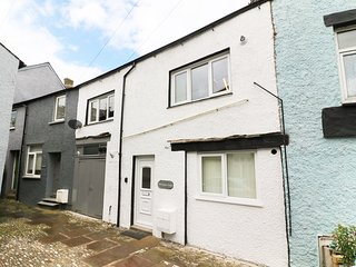 1 BUTLERS YARD, modern interior, central location, ideal for families, in