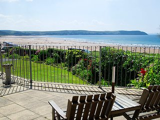 Cliffside Garden Flat a Stunning seafront setting for the delightful apartment