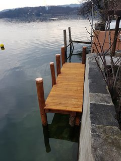 New wooden front lakeside jetty, also for late afternoon sunbathing.