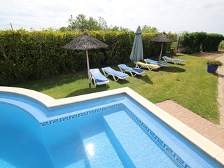 TV-16 - Spacious 3 bedroom villa with private pool
